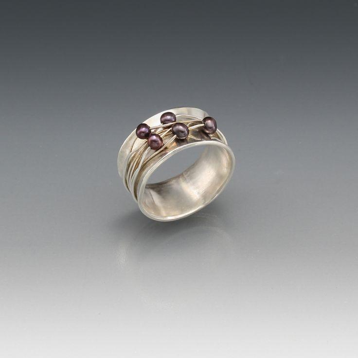 Zilveren ring (gemaakt bij cursus Edelsmeden: Golden Art Design) p'd by p'r agnesvalolmen/juweeltjes