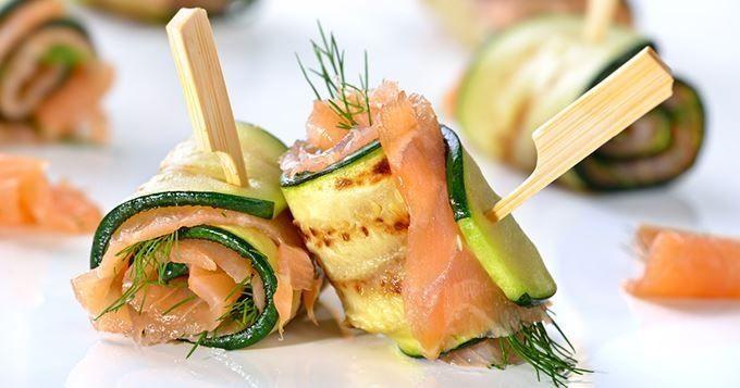 15 amuse-bouches craquants pour buffet estival - Mini toasts de roastbeef à la mousse de chèvre - Cuisine AZ