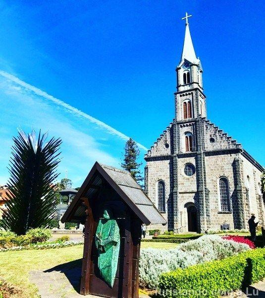 Catedral de Gramado. Dicas para planejar sua viagem de 3 ou 4 dias pelo Sul do Brasil: Gramado & Canela