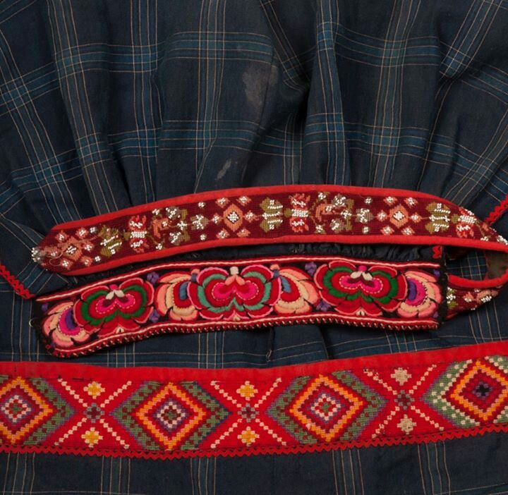 folkloristic embroidery- red-orange-pink