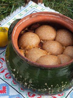 Ízőrző: Cserépedényben sült káposzta, benne sült zsemlékkel (kelt gombóccal)