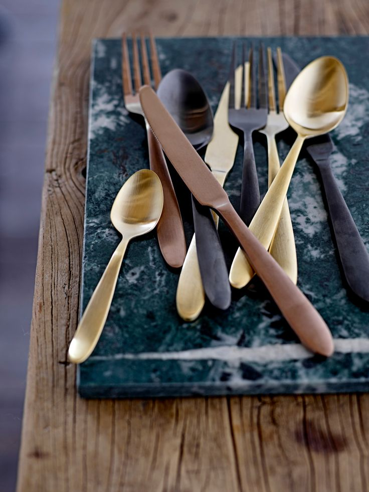 1000 ideas about gold cutlery on pinterest gold flatware cutlery and cutlery set. Black Bedroom Furniture Sets. Home Design Ideas