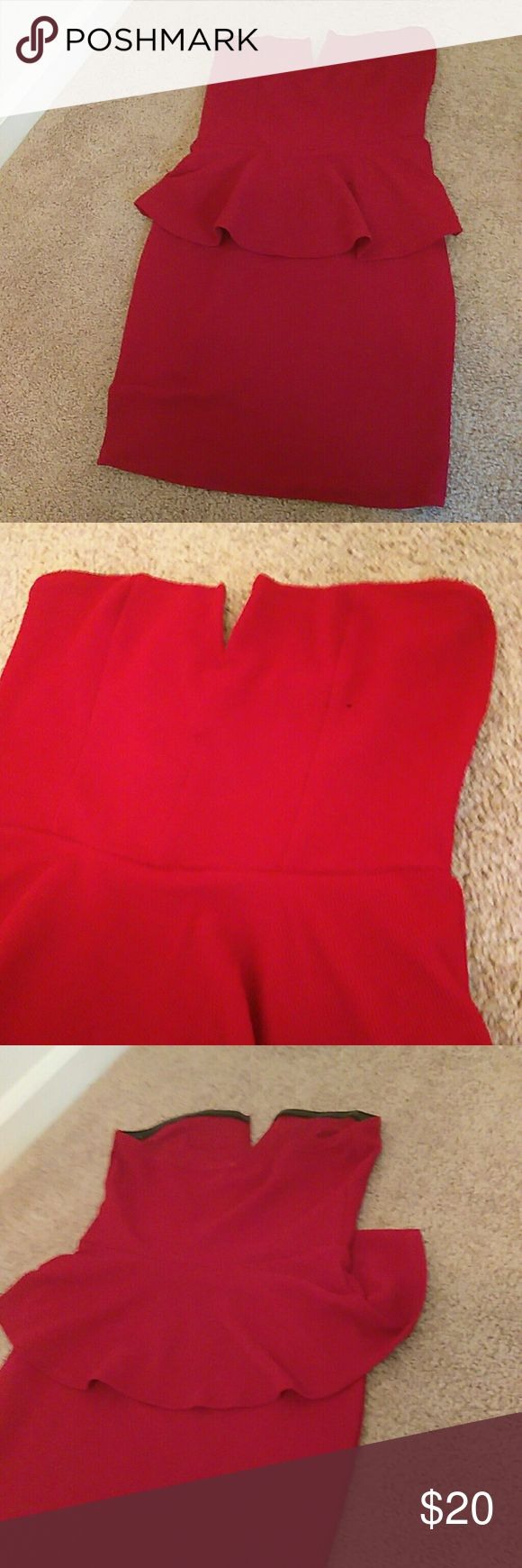 Red peplum dress Red peplum dress. Never worn. Only tried on. Bought it for graduation and never wore it. Charlotte Russe Dresses Strapless
