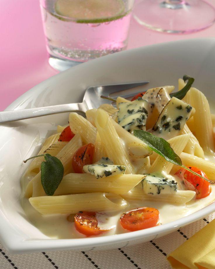 Penne rigate mit Käsesauce und Salbei #hochland #käse #rezept #recipe #cheese #käsecreme #pasta
