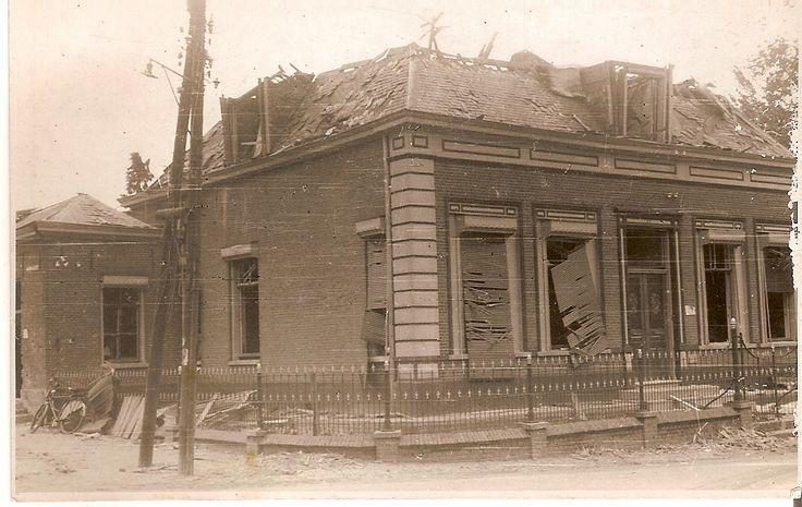 Door oorlog verwoeste pastorie september 1944 Ommel