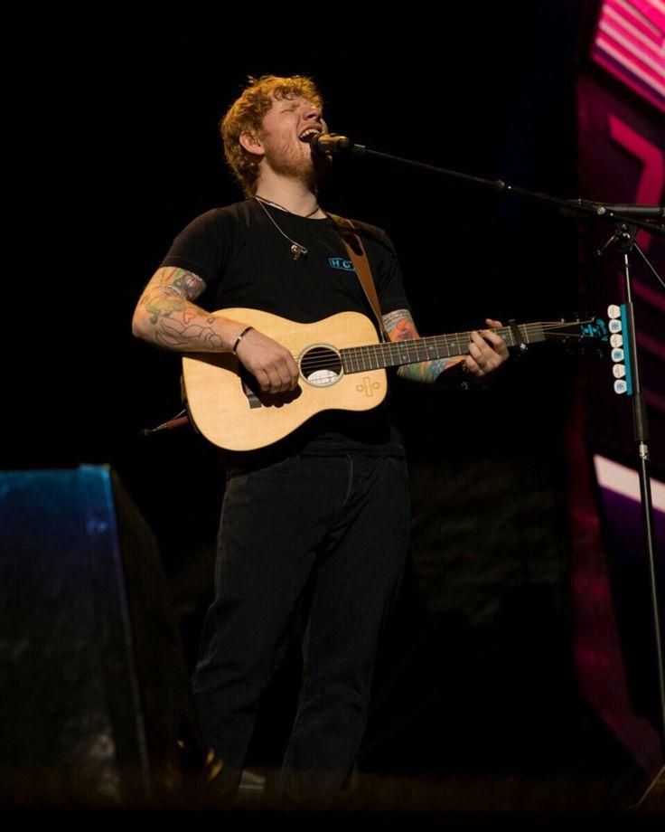 Ed doing his thang... Legendary ♥️