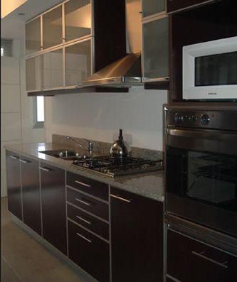 Modelo conde melamina blanca de 18mm contactanos for Muebles de cocina argentina