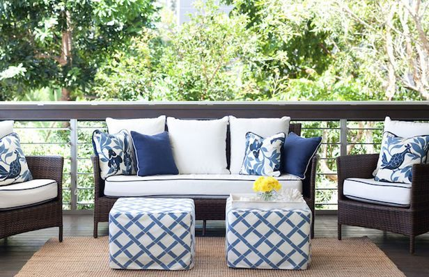 Blue Amp White Patio Color Scheme Contrast Piping
