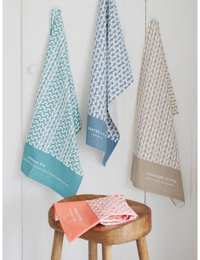 """Håndklær """"Knitting Stitches fra Debbie Bliss."""