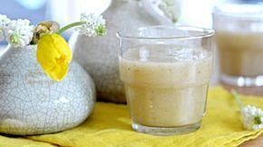 Vyzkoušejte recept na hruškové smoothie s chia semínky. Jeho příprava vám zabere minimum času a to se po ránu hodí! Navíc přidáním chia semínek dopřejete tělu potřebnou vlákninu, vitamíny, minerály a omega 3 mastné kyseliny. A hlavně jsou perfektním zdrojem antioxidantů.