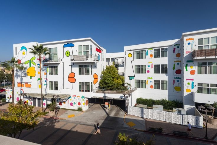 Now here's a cool place to call home...Freedom Boulevard: Giant mural unveiled in Los Angeles by Berlin Wall artist Thierry Noir | Creative Boom