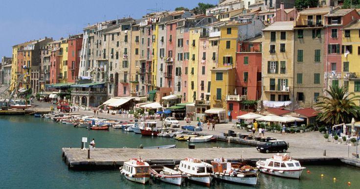 El mejor momento del año para viajar a Italia. Italia atrae a millones de visitantes cada año por su comida, vino, clima cálido y romanticismo. Como otros países, hay ciertos momentos del año que son mejores para viajar que otros.