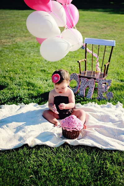 Cake Smash--Outside in the grass. Less Mess??