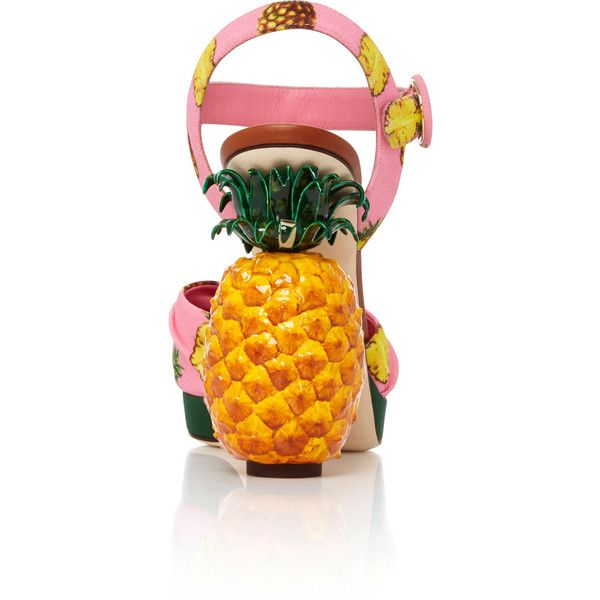 Dolce & Gabbana Pineapple Sandals (3.116.195 COP) ❤ liked on Polyvore featuring shoes, sandals, pink shoes, crepes shoes, pineapple print shoes, pink sandals and dolce gabbana sandals