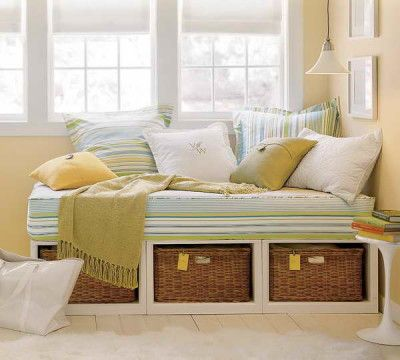 DIY Daybed: Decorating Your Bedroom : built in Daybed - could be placed where tredmil is currently?