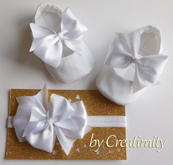 White baby shoesbow baby shoespersonalized by CreatimityElegance