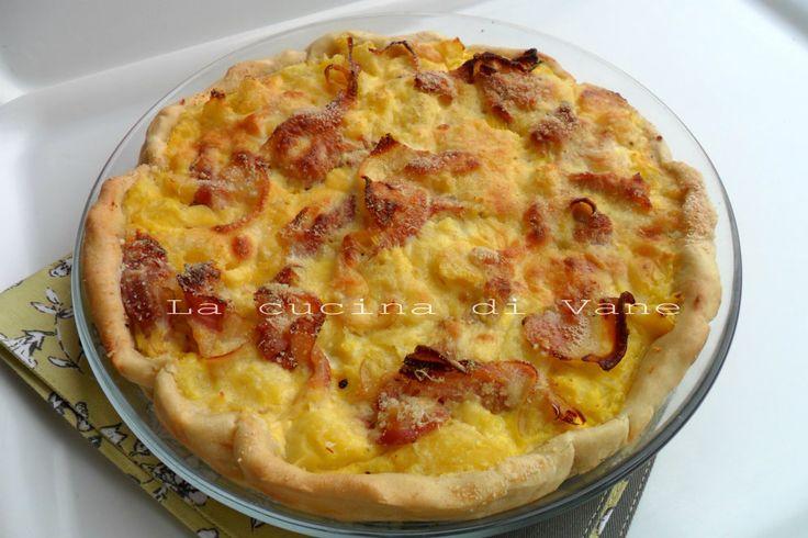 Torta salata con patate pancetta e formaggio