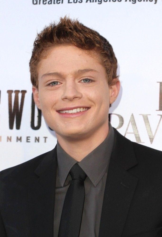 Sean Berdy super cute. From Switched at Birth!