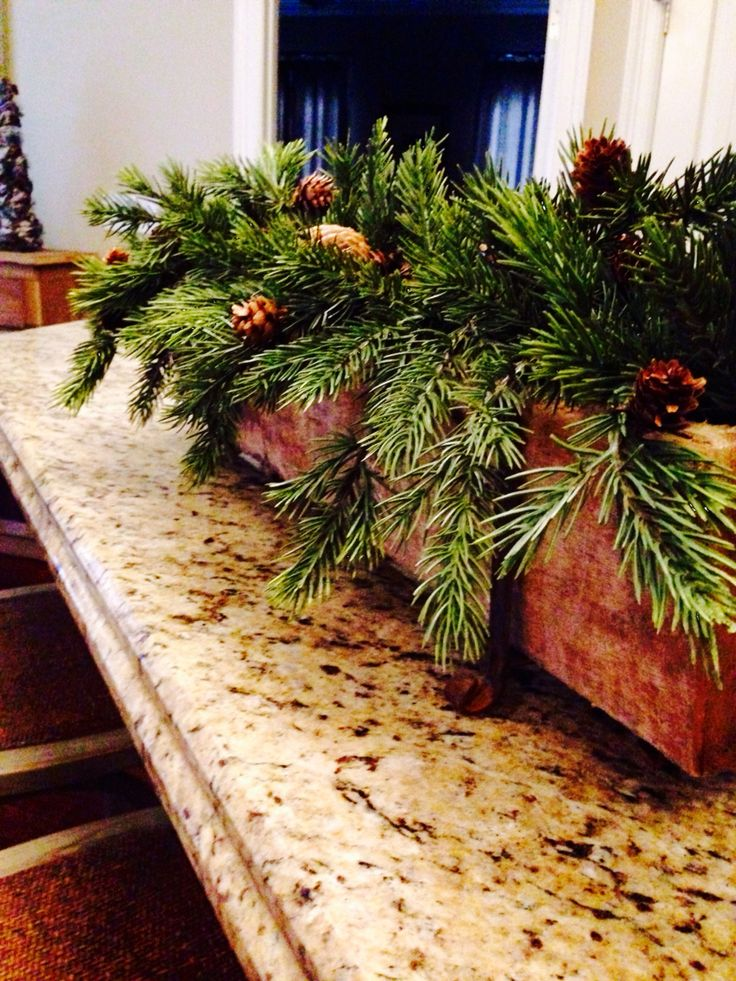 Use old Christmas garlands to make a sugar mold centerpiece!
