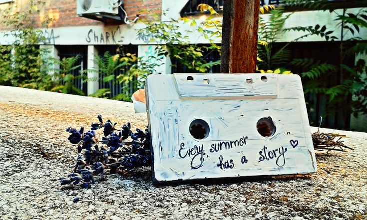 Every summer has a story!❤️☀️ #interesting  #art  #cassette  #music  #diy  #summer #flowers  #vintage   #macro