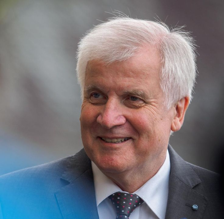 Bei der Herbstklausur spart der bayerische Ministerpräsident Horst Seehofer…