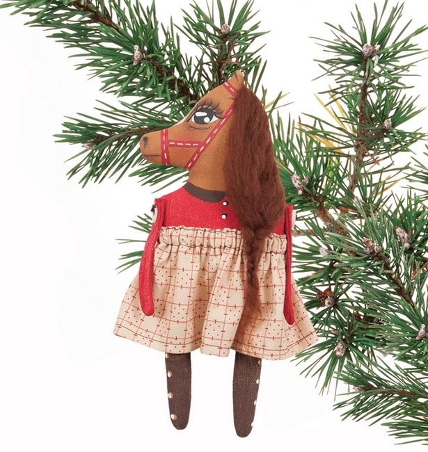 Miss Nellie Folk Art Ornament. Hand-made by Rebecca Miller Campbell exclusively for Horse and Hound.