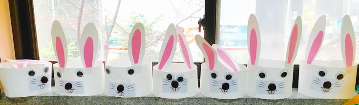 Easter is on the way and what better way to celebrate it than to make one of these cute little bunny headbands!  All you need is: White construction paper Pink paper Googly eyes B…