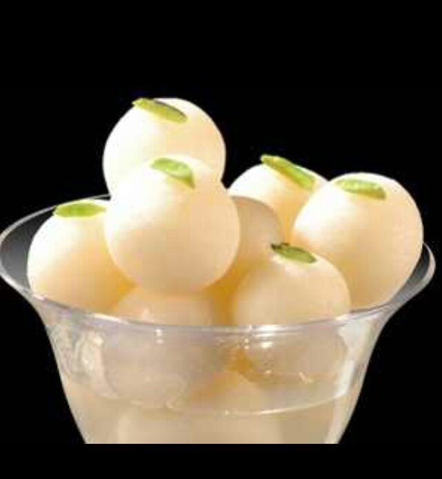 7 best indian sweets images on pinterest indian sweets indian rasgulla is a very popular cheese based syrupy sweet dish originally from the indian state of orissa it is popular throughout india and pakistan forumfinder Image collections