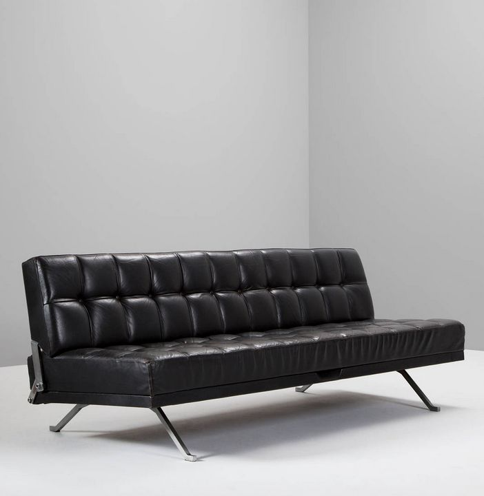 Johannes Spalt; Chromed Metal and Leather Constanzebank Sofa for Wittmann, 1960s.