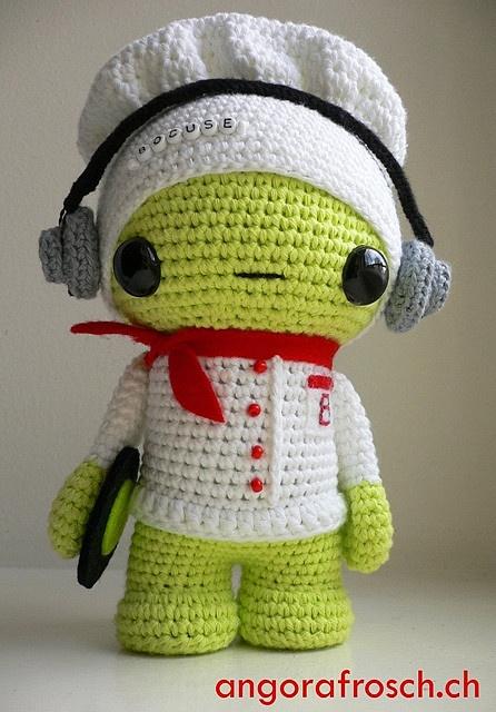 Aquí dice que es un dj, pero si le quitamos los audífonos y el disco no sería un bonito chef?  - dj bocuse
