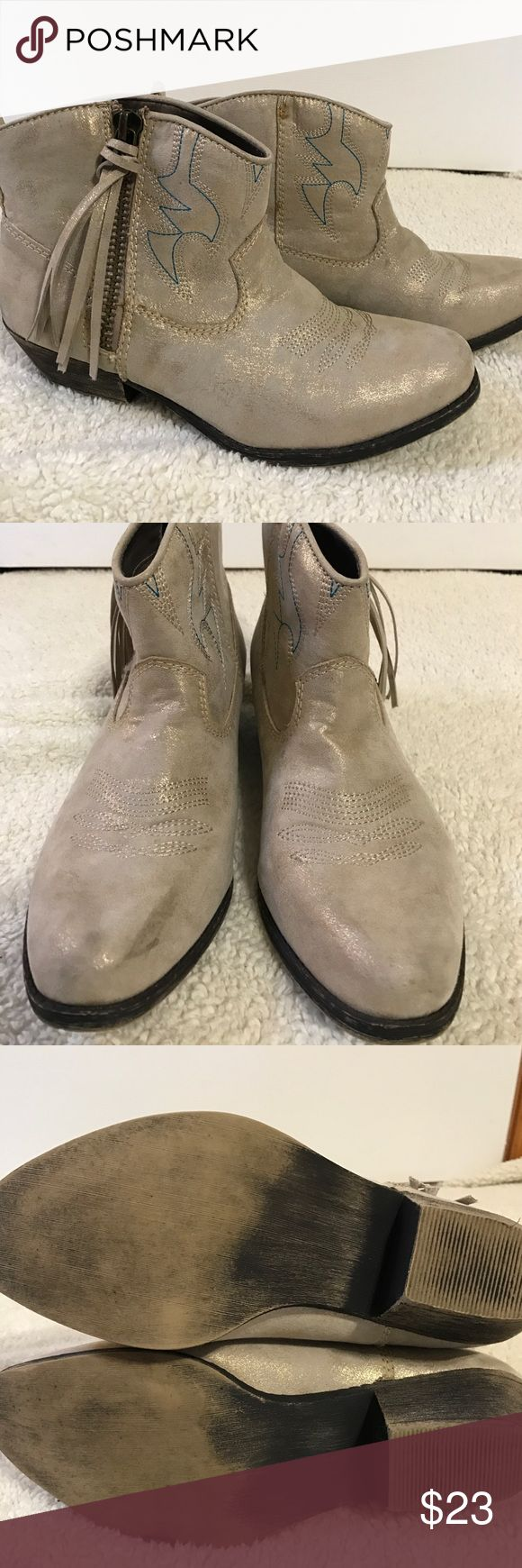 Gold Dust Big Buddha Western Style Ankle Boots These are gently used ankle boots (size 9.5) . The fit is pretty try to size. Big Buddha Shoes Ankle Boots & Booties