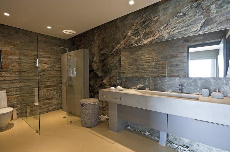 Stone Bathroom of Villa Marcia, Kea-Tzia / Greece