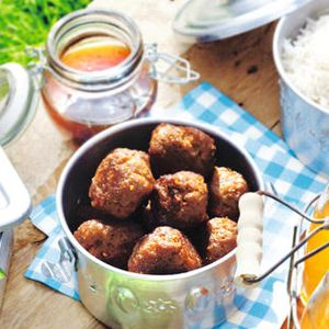 Indonesian meatballs with sweet chilli sauce - great party food!
