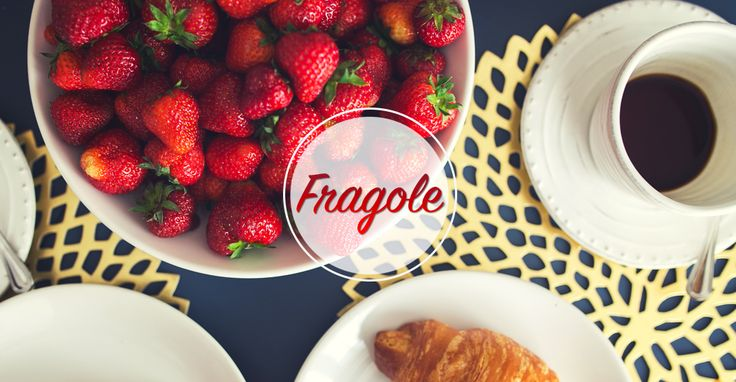 Finalmente fragole... le adoro al naturale, perfette per piatti dolci e salati, ma anche l'ideale per trattamenti di bellezza. Che ne dite Pinelle del mio #scrub fatto in casa? #LaPinellafood  #food #fragole #strawberry #beauty #flickonfood #ricette http://www.lapinella.com/2016/04/26/finalmente-fragole-bellezza-e-gusto/