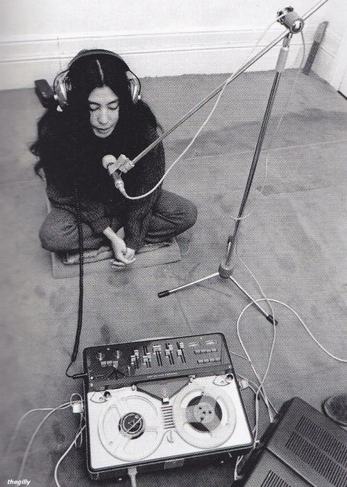 The beauty that was Yoko Ono! :')