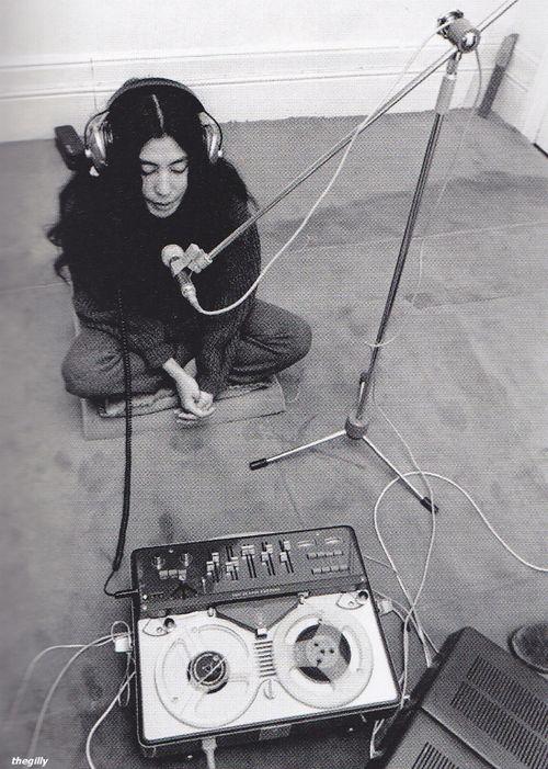 The beauty that was Yoko Ono! :')