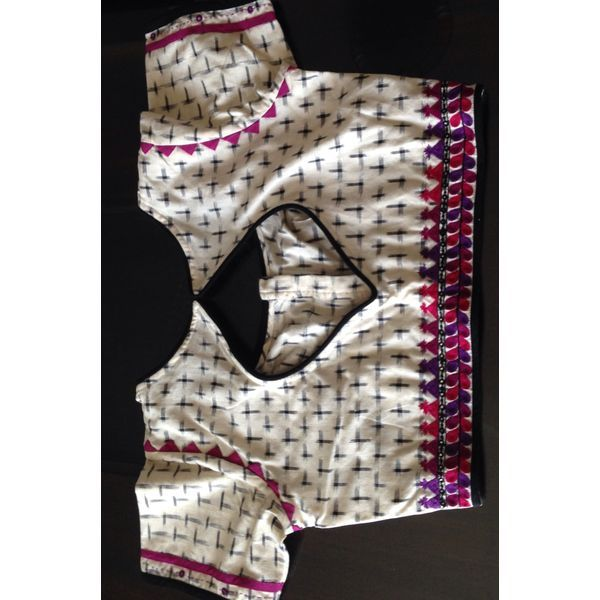 Buy B2300002-SRISHTI Handcrafted Cotton Blouse-Ikat-Black and white and pink-Size 38, 300g online - Handwoven Kanchivarams,Soft Silks, Silk Cottons and Tussars!