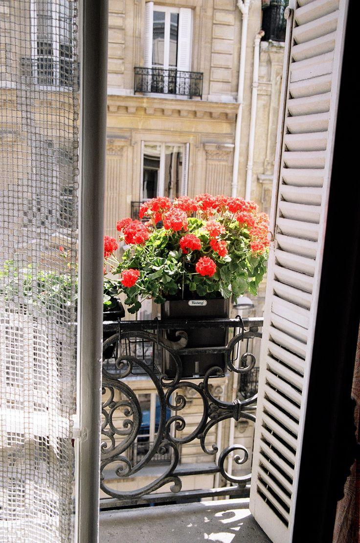 Travelwish Paris. Am Freitag geht es für mich nach Paris. In die Stadt der Liebe über Valentinstag. Ein Traum geht in Erfüllung!
