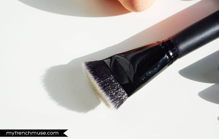 Pinceau contouring (#84035) http://www.eyeslipsface.fr/produit-beaute/pinceau-contouring-studio