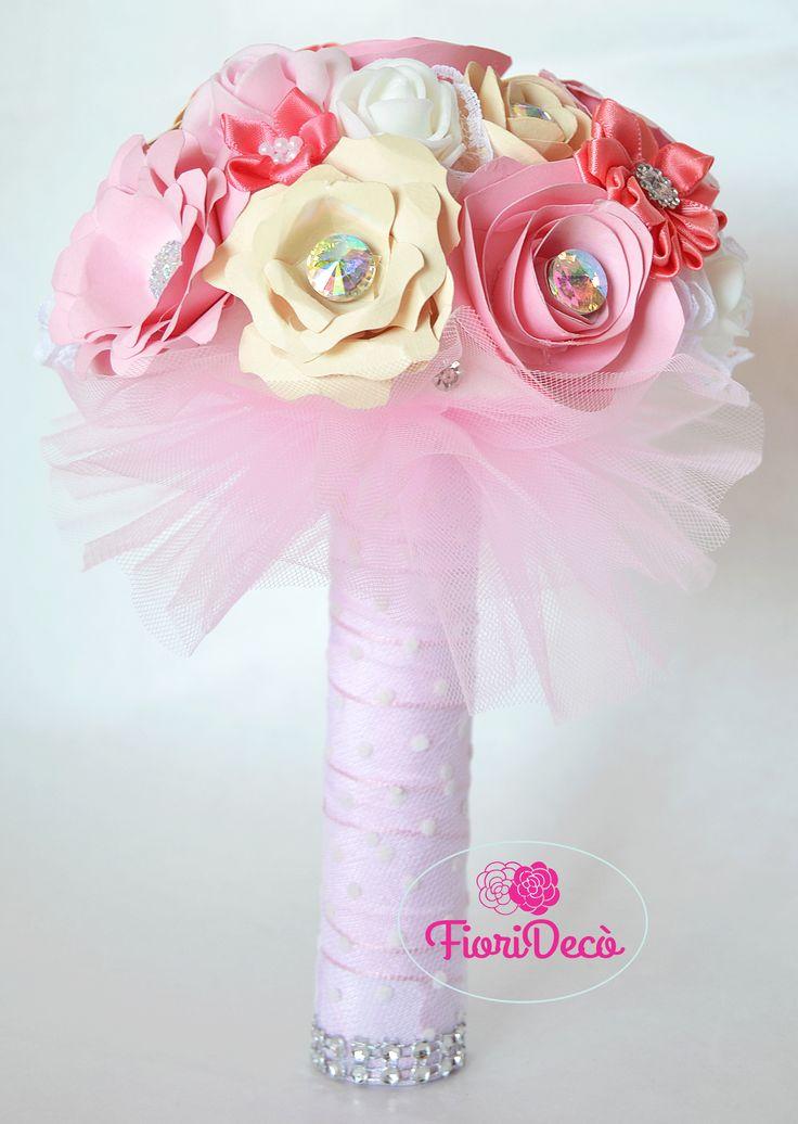 Bouquet di fiori in carta realizzato come regalo per il saggio di una piccola ballerina