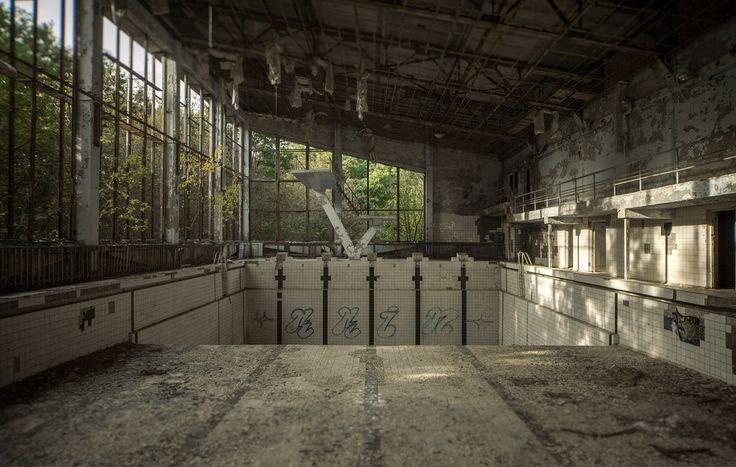 swimmingpool - #abandoned #urbex #decay #photography #image #mrnorue #derelict #neglect