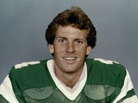 Former Eagles, 49ers punter Max Runager dies at 61
