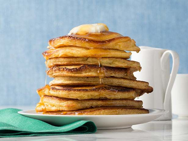 What's cooking? A tall stack of pancakes! #BreakfastFood Network, Chocolates Chips, Pancakes Recipe, Easy To Following Pancakes, Foodnetwork Com, Buttermilk Pancakes, Network Kitchens, Pancake Recipes, Breakfast Sweets
