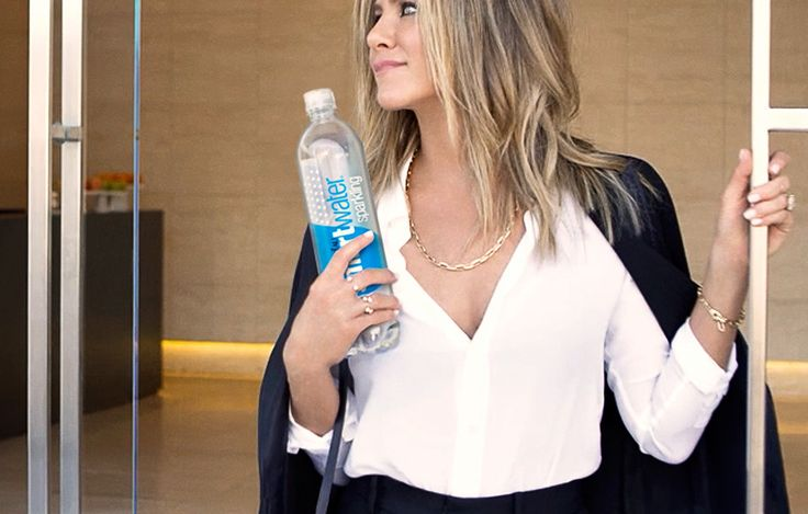 What does Jennifer Aniston eat at home? And what food is she powerless against?