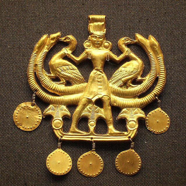 Minoans - Aigina Treasure pendant 1850-1550BC