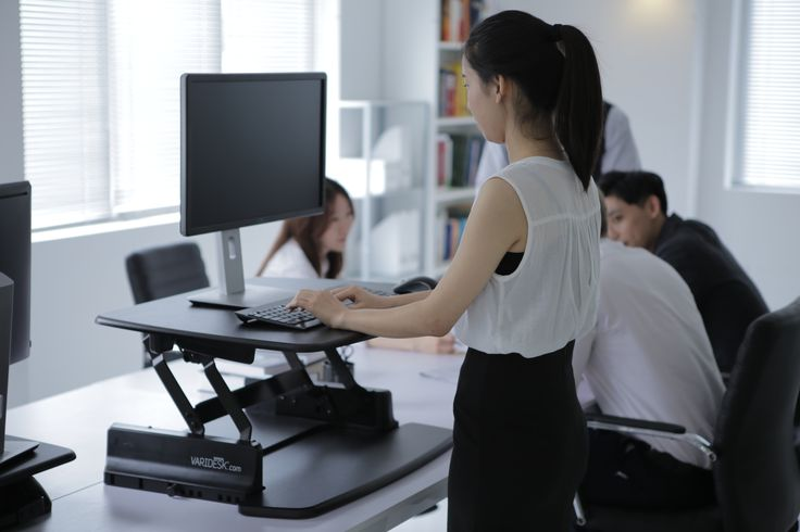The VARIDESK does not need to be fully extended upwards for some members of staff. It can be fixed at multiple points while being raised. #standup #varidesk - http://uk.varidesk.com/stand-up-desks