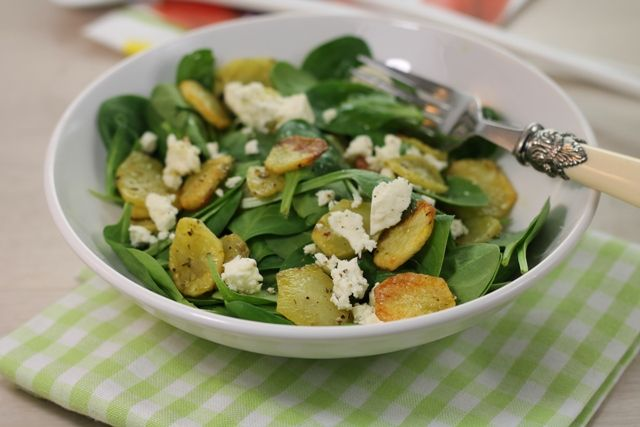 insalataMente: Spinacini e patate alla maniera greca.