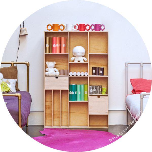Grande étagère en bois alliant douceur, simplicité et belles proportions, bien conçue et ultra pratique, ranger et organiser devient un vrai plaisir, en vente chez Serendipity http://www.serendipity.fr/grande-etagere-en-bois/20-2395/p