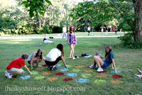 Lawn Twister—a perfect picnic party game. Get the how-to.