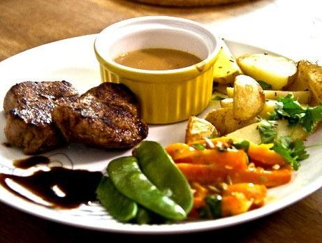 Whiskey flambé tenderloin with pepper sauce